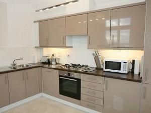 Кухня с фасадом Эмаль-016