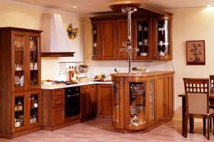 Кухня с фасадом Массив-001