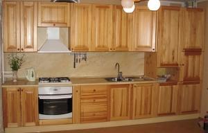 Кухня с фасадом Массив-005