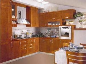 Кухня с фасадом Массив-007