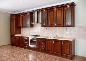 Кухня с фасадом Массив-008