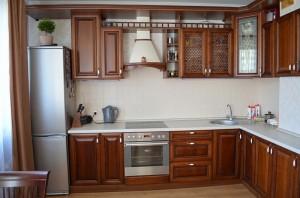 Кухня с фасадом Массив-010