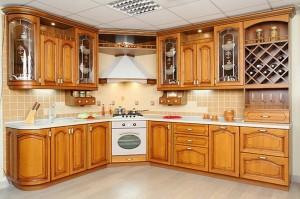 Кухня с фасадом Массив-015