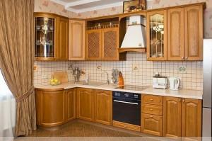 Кухня с фасадом Массив-016