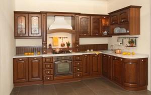 Кухня с фасадом Массив-019