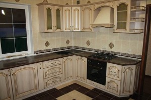 Кухня с фасадом Патина-006