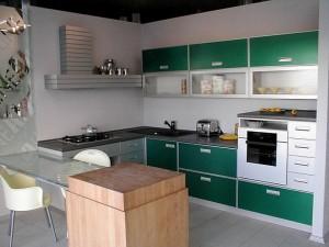 Кухня с фасадом Пластик-009