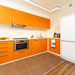 Кухня в оранжевых тонах!
